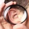 Фурункул в ухе: симптомы, причины, лечение