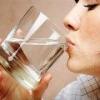 Как вывести лишнюю жидкость из организма?