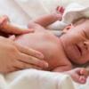Колики у детей – причины, лечение