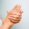 Ломит суставы рук и ног: причины, лечение
