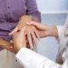 Ломота в суставах рук, ног: причины, лечение