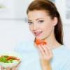 Можно ли кормящей маме соленые или свежие помидоры?