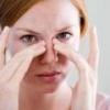 Насморк без температуры - причины, лечение
