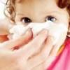 Насморк без температуры у ребенка чем лечить?
