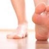 Немеет стопа правой ноги, причины, лечение