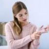 Немеют руки при беременности, причины, лечение