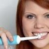 Оказывается, электрические зубные щетки очень вредны
