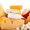 Пожилым людям нужно включить в свой рацион сыр!