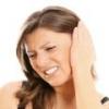 Причины боли в ушах при глотании