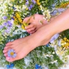 Прыщи на ногах: причина появления и способы избавления