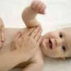У новорожденного ребенка болит живот, что делать?